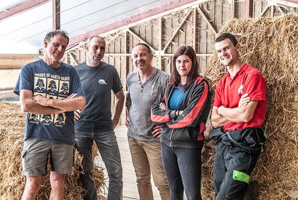 Portrait de l'équipe des éleveurs de la filière Rougeot du Charvin®