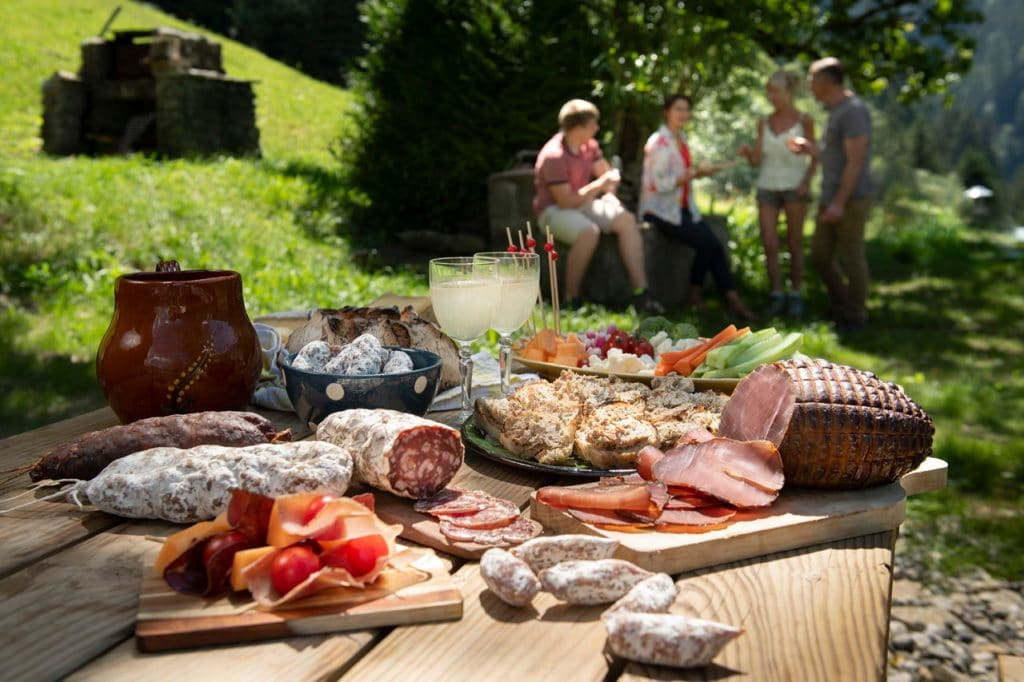 Outdoor nibbles: saucisson, rillettes and ham